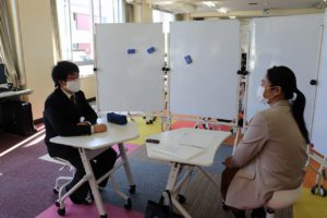 中学生がネイティブスピーカーと英会話にチャレンジ